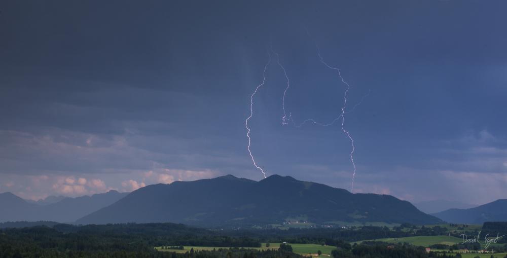 http://www.natur-motive.de/galerie/wetter/content/images/large/0533.jpg