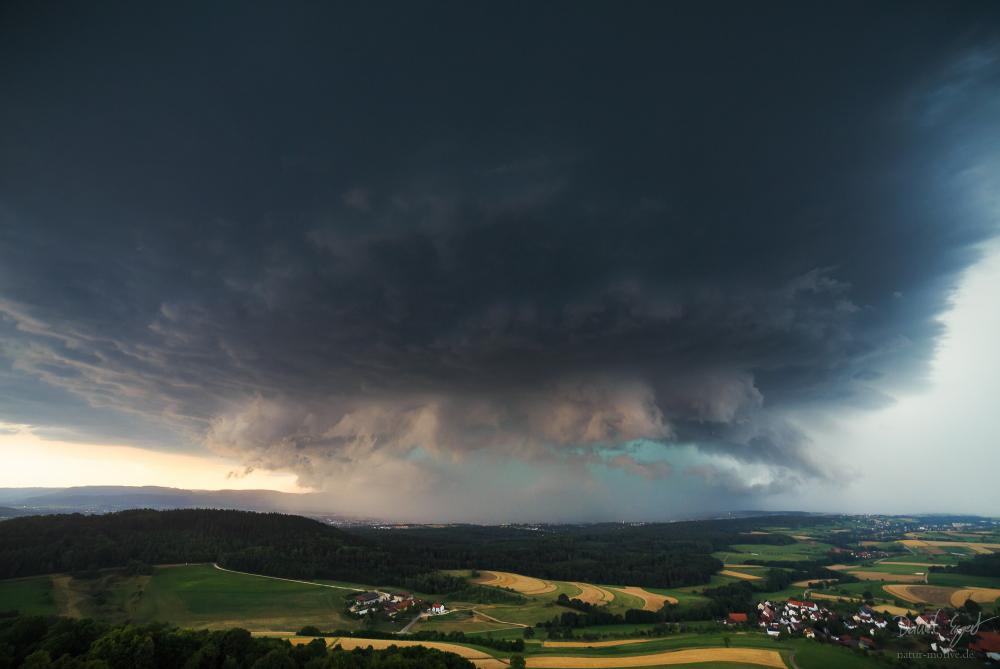 http://www.natur-motive.de/galerie/wetter/content/images/large/0540.jpg